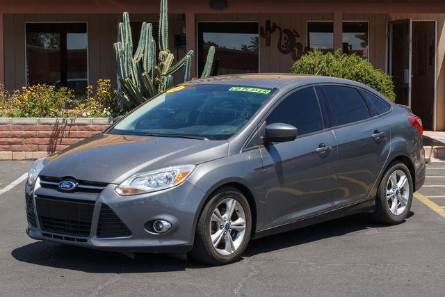 2012 FORD FOCUS 4D SEDAN SE Sterling Gray Metallic air conditioning wheels aluminumalloy powe