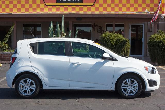 2013 CHEVROLET SONIC 4D HATCHBACK LT AT Summit White air conditioning wheels aluminumalloy po