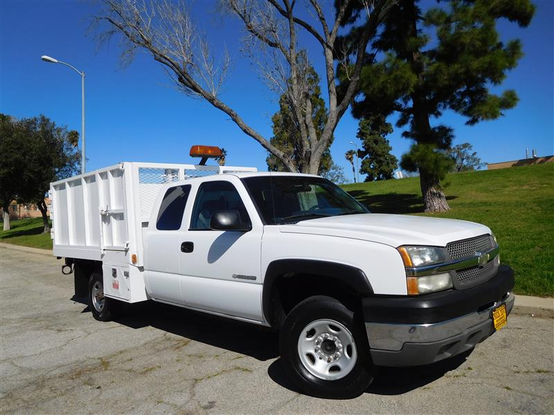 2003 CHEVROLET SILVERADO 2500HD LT WhiteGrey 2003 chevrolet 2500 hd extra cab landscape truck