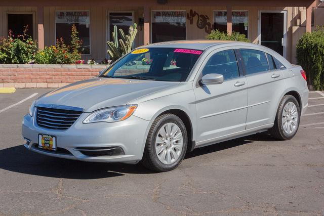 2012 Chrysler 200 4D Sedan LX