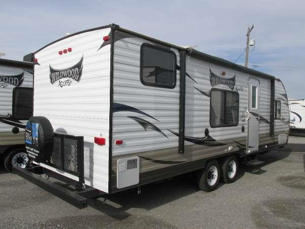 2014 WILDWOOD X-LITE 261BHXL  this 2014 wildwood 261bhxl travel trailer has a perfect floor plan