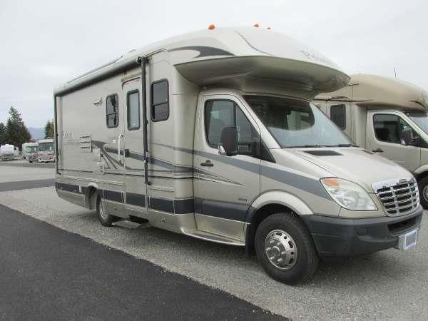 2009 COACHMEN M-230 neutral this coachmen motorhome offers lots of seating and has separate room