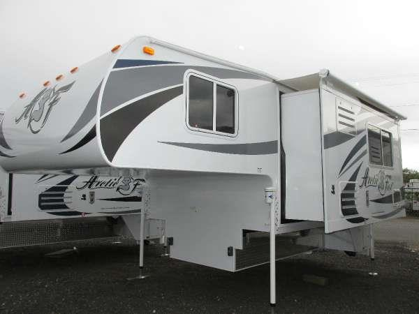 2016 ARCTIC FOX 992 Autumn ez open handle fox landing 25 onan lp generator 11k btu air condition
