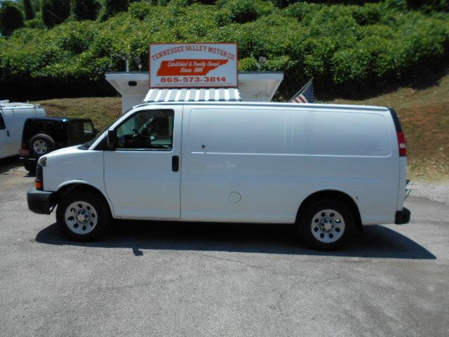 2009 CHEVROLET EXPRESS CARGO 1500 whitegrey cold ac pre-owned no fees pricetax tags and ti