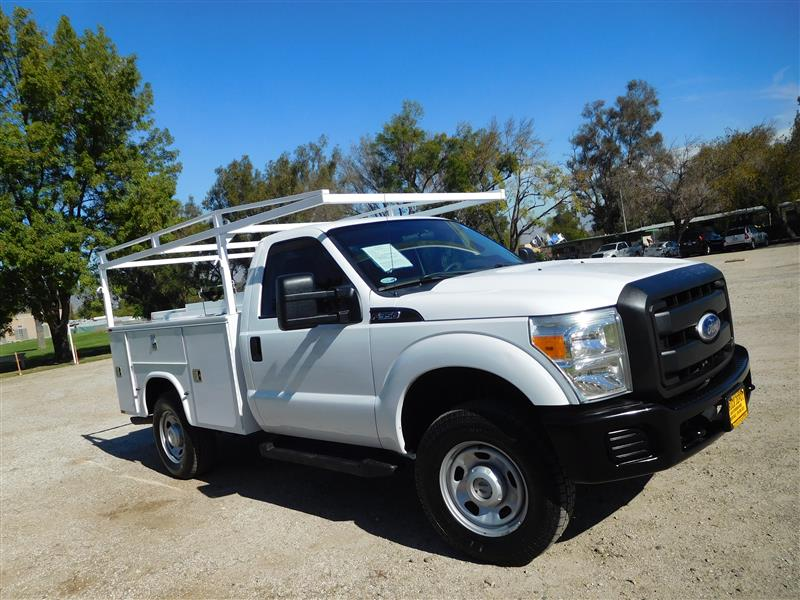 2011 FORD F-350 UTILITY BODY  2011 ford f-350 4x4 service truck 62l v-8 auto trans ac cruise