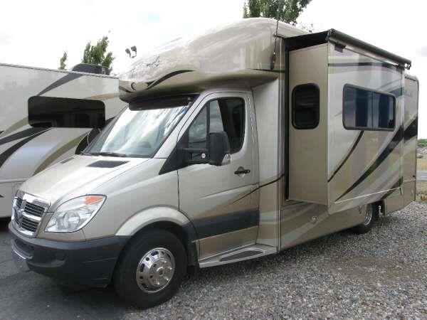 2009 FOUR WINDS INTL SIESTA 21SA  dodge siesta with a mercedes v-6 diesel engine it has one sli