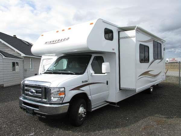 2015 WINNEBAGO MINNIE WINNIE 31K  31KP Polar the popular minnie winnie offers exciting features