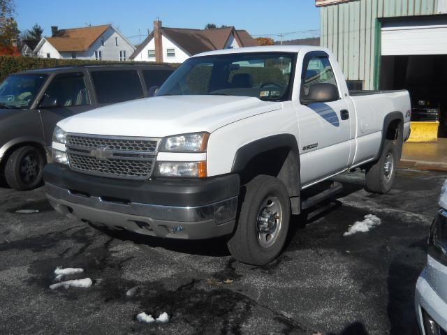 2005 CHEVROLET SILVERADO 2500HD WORK TRUCK WHITEBLACK 90000 miles Stock No 05hd VIN 1GCHK24U