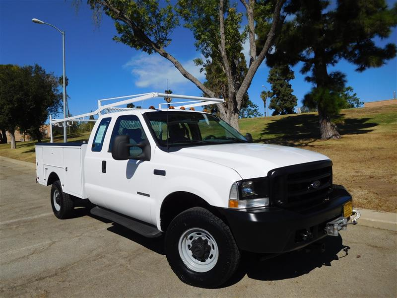 2002 FORD F-350 SERIES