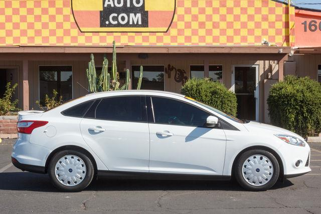 2013 FORD FOCUS 4D SEDAN SE Oxford White air conditioning power steering amfm stereo power wi