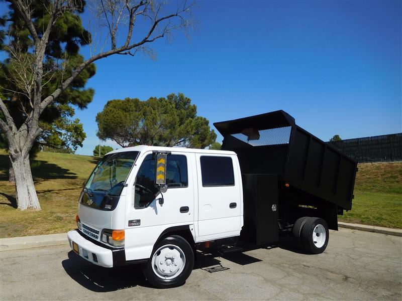 2003 CHEVROLET W5500 DUMP TRUCK WhiteGrey 2003 chevrolet w-5500 crew cab dump truck 6 cyl turb