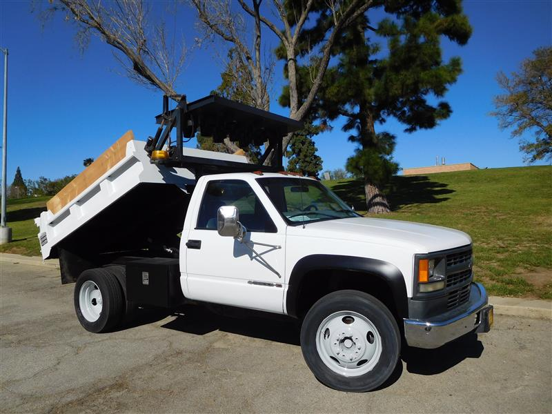 2000 CHEVROLET 3500 HD DUMP  2000 chevrolet 3500 hd gravel dump truck v-8 auto trans ac l