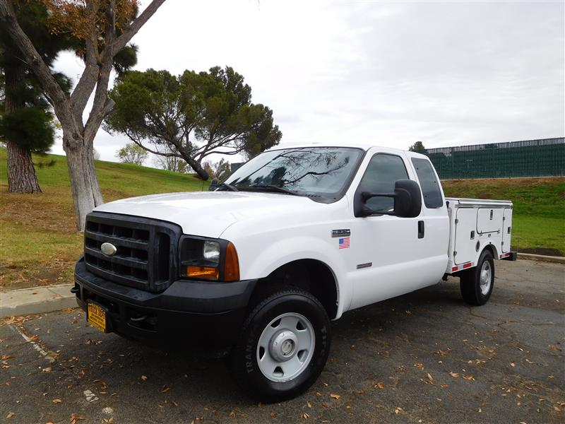 2006 FORD F-250 SERVICE BODY WhiteGrey 2006 ford f-250 diesel service bodyutility body 60l v-