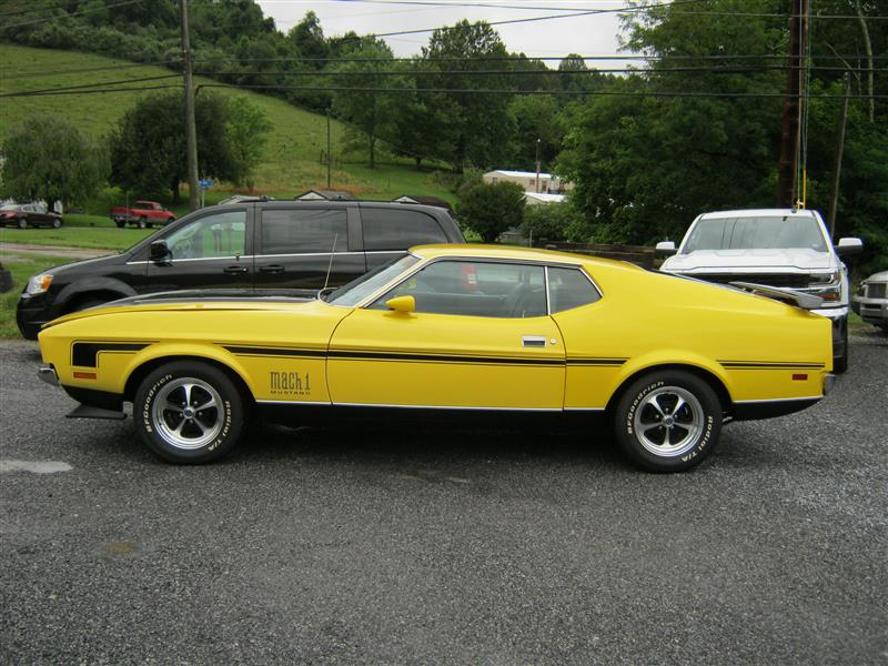 1972 FORD MUSTANG MACH 1 YellowBlack 351 v8 auto with air conditioner Stock